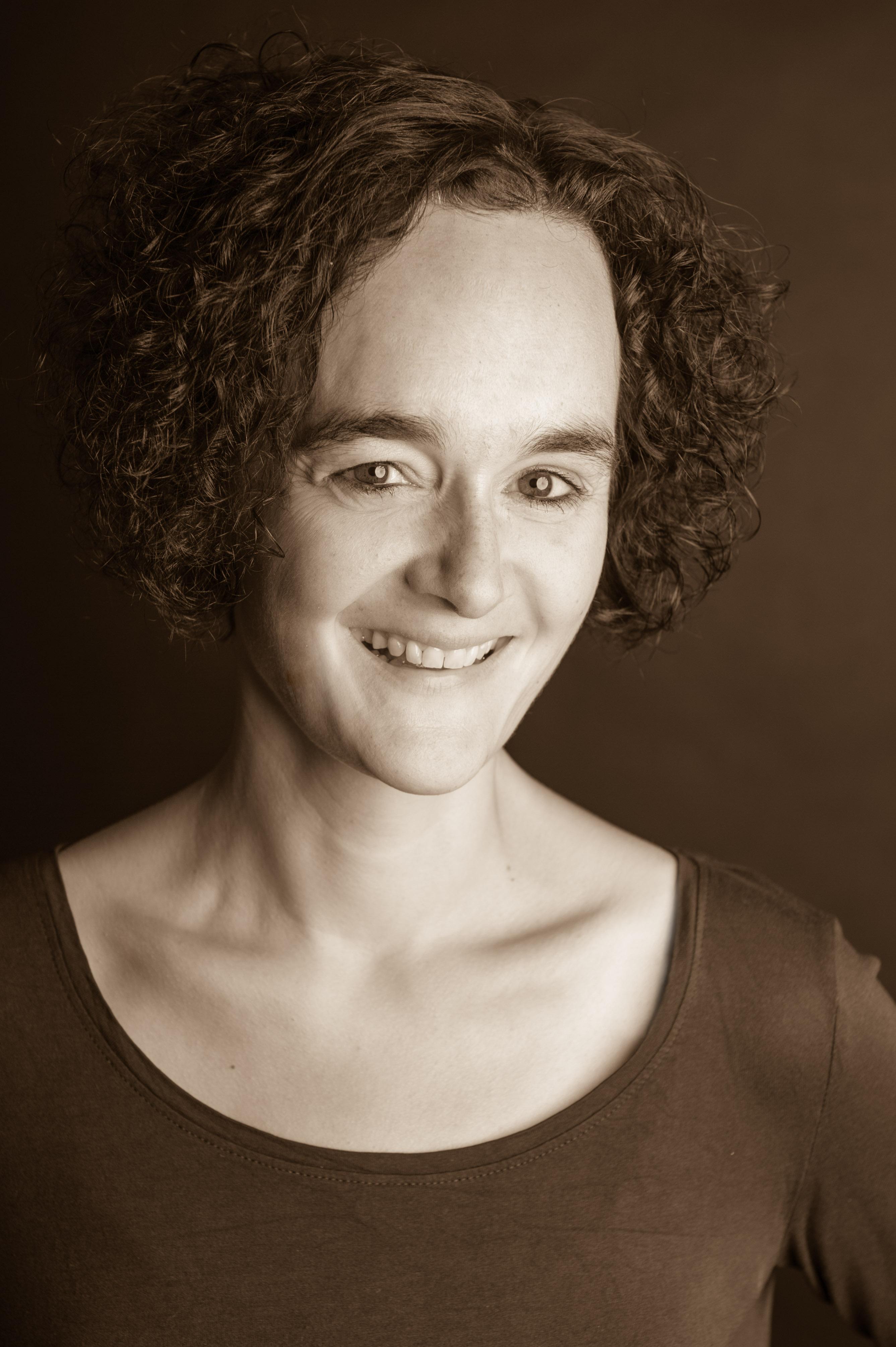 Mein Name ist <b>Andrea Friederichs</b>-du Maire. - Portrait-Web-2
